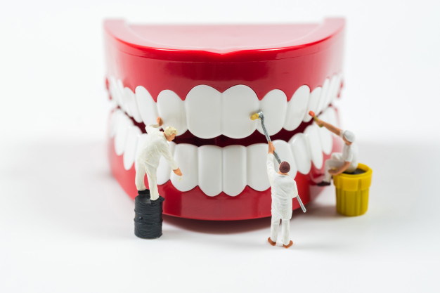 Zobni implantati so doživljenjska rešitev