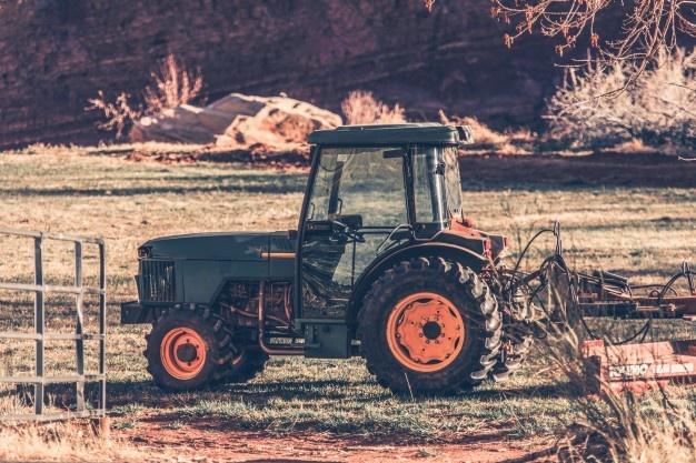 Traktorski deli v spletni prodaji