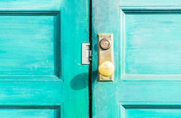 Kakovostna in cenovno dostopna protivlomna vrata