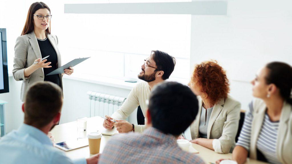Povečanje prodaje vašega podjetja s prodajnim treningom